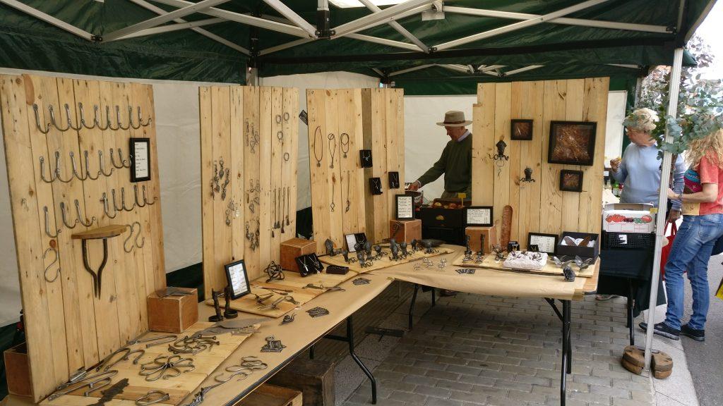 market stall layout